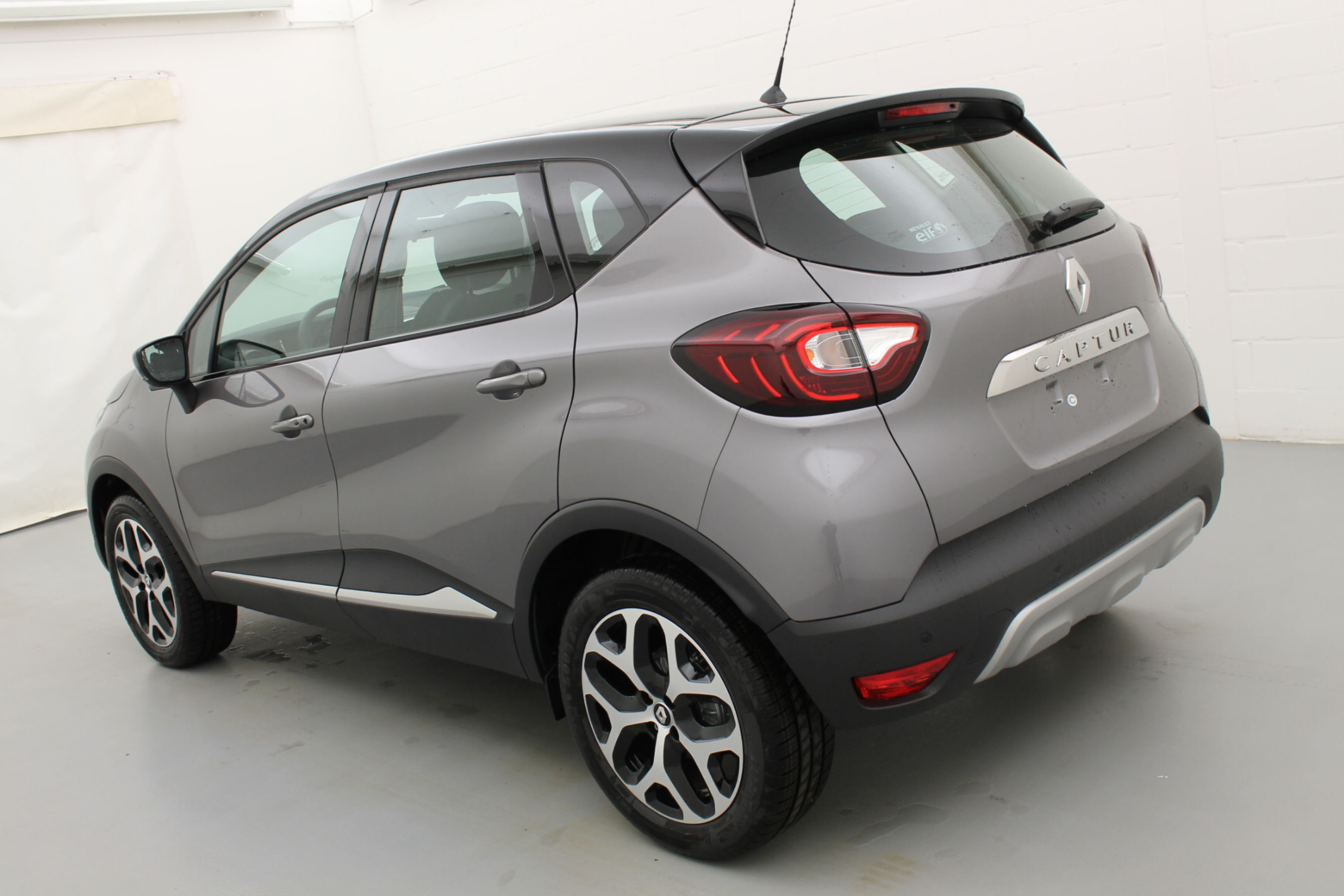 Captur 2 Intense Limited mit Navi